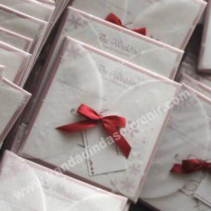 undangan pernikahan merah elegan