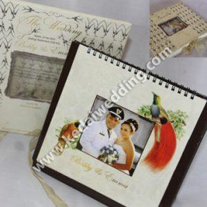 Undangan pernikahan kalender