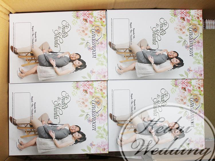 undangan-hardcover-full-color-berwarna-dengan-foto-wedding