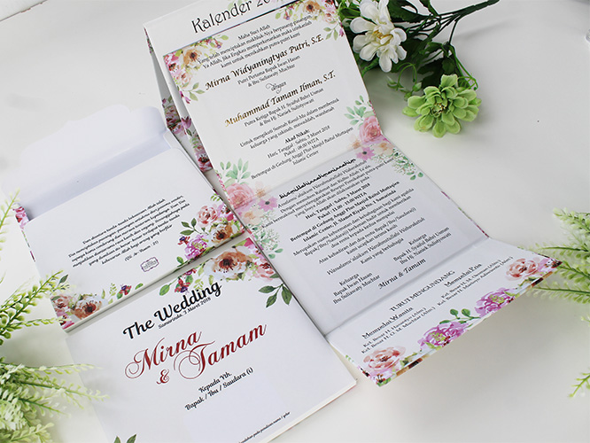 undangan pernikahan bunga-bunga bentuk kalender terbaru
