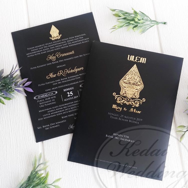 undangan pernikahan singlehardcover hitam elegan
