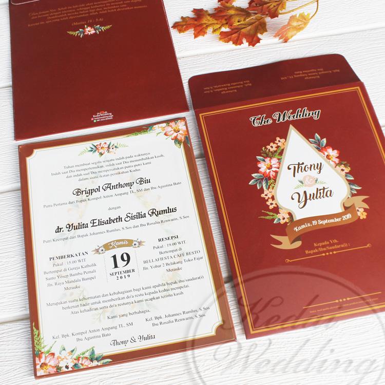 undangan singlehardcover merah maroon motif bunga-bunga