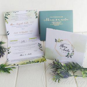 undangan pernikahan hardcover dengan amplop